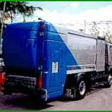 Camion Limpia Contenedores con Agua