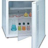 Incubadora con puerta interna transparente
