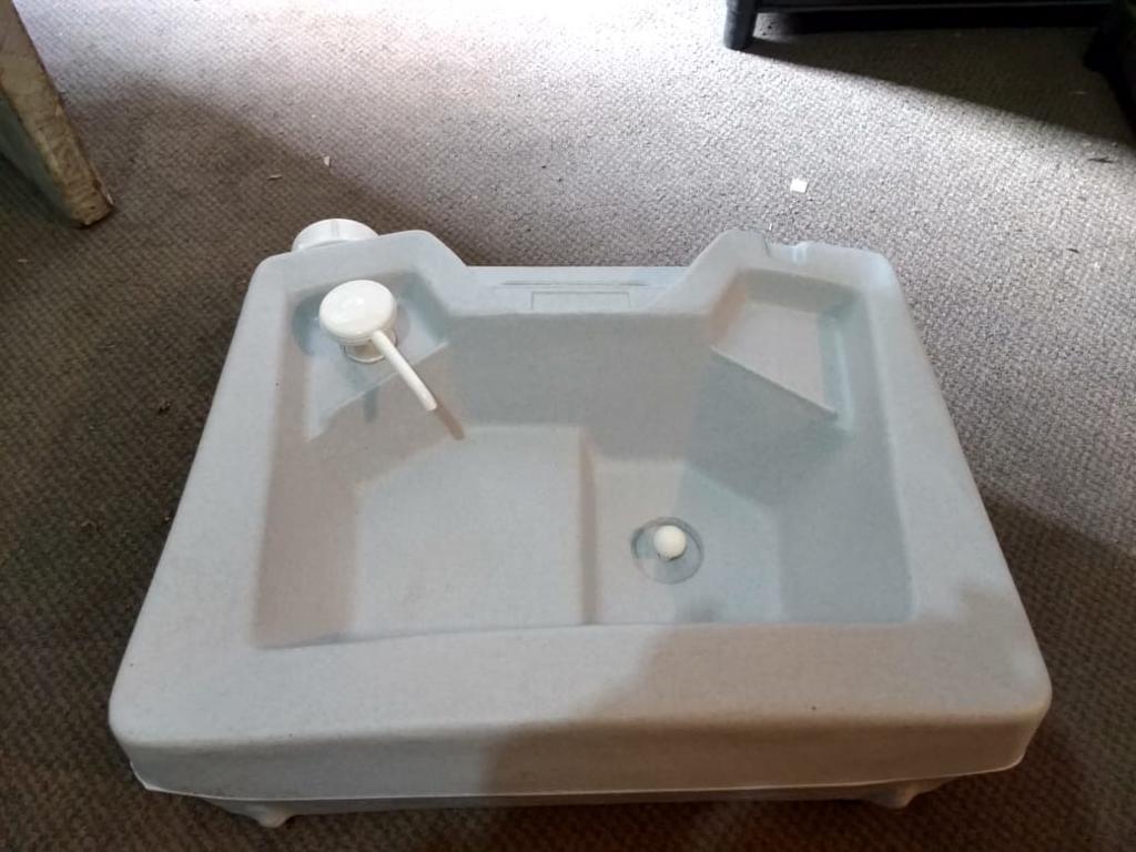 Lavamanos Portatil 2